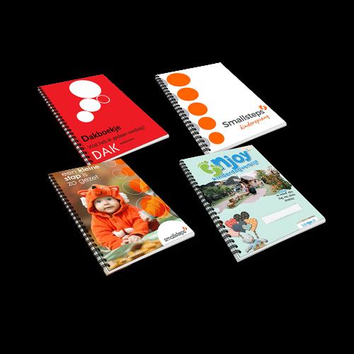 Gepersonaliseerde kinderopvang dagboek boekjes met eigen cover